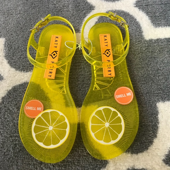 affecdfe758 Katy Perry Geli lemon sandals